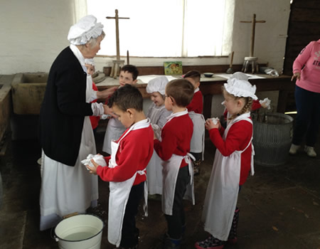Picture of the children learning History 1