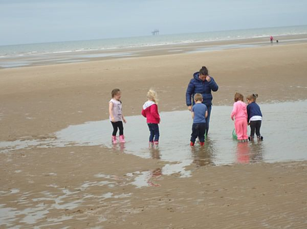 Reception Class visit to Formby Beach - July 2017 11