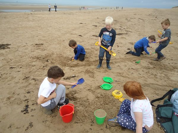 Reception Class visit to Formby Beach - July 2017 14