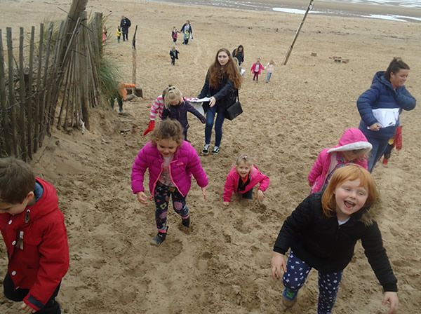 Reception Class visit to Formby Beach - July 2017 7