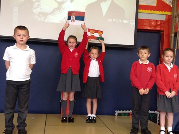 Year 3 performed an assembly for WW1 1