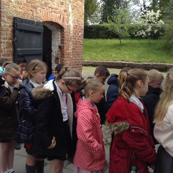 Year 3 visit Quarry Bank Mill - May 2019 3